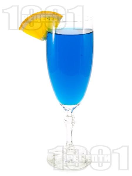 Коктейл Blue Fizz - снимка на рецептата